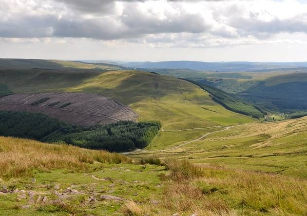 cheap things to do in wales - brecon beacons