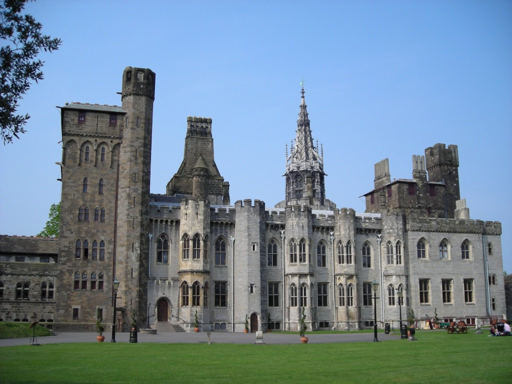 cheap things to do in wales - Cardiff_Castle